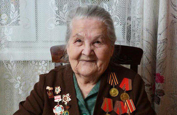 Elderly woman World War II Russian veteran