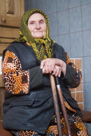 6 Things Russian Babushkas Disapprove Of
